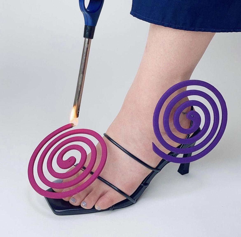 約會驅蚊 蚊香鞋!?
